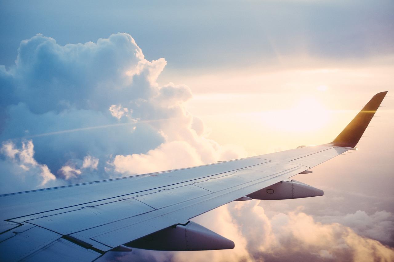"""המדריך למציאת טיסות זולות לחו""""ל"""